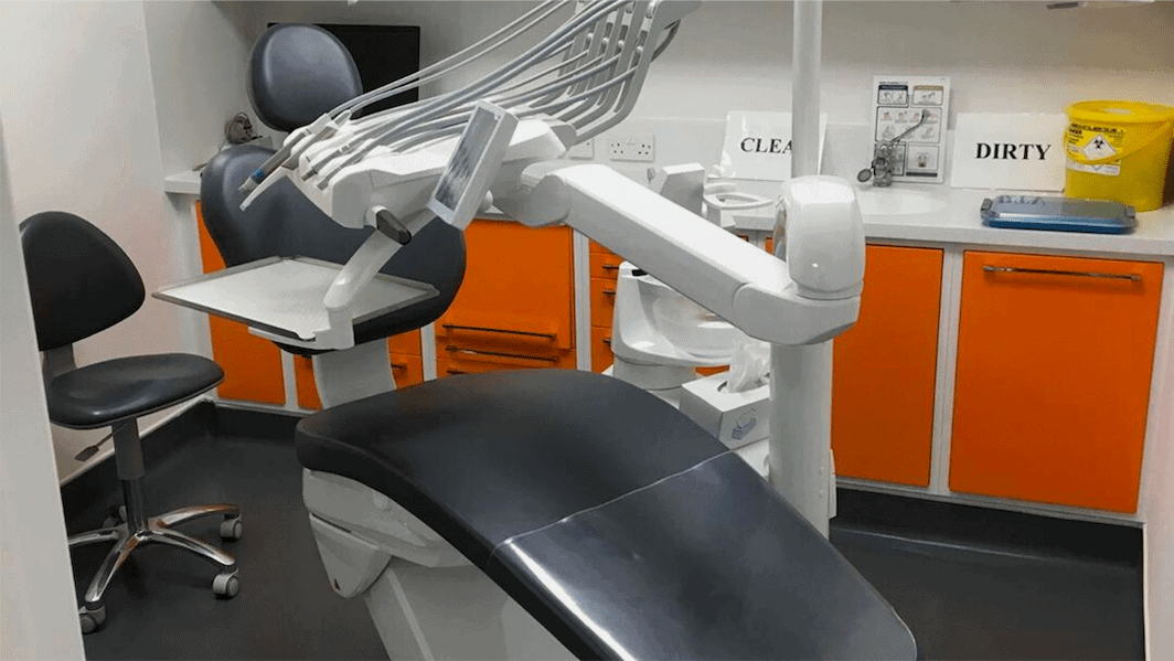 dentist cleaning cqc